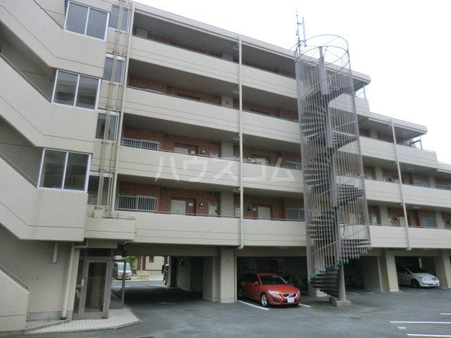 ベルガーデン向山3号館 303号室の駐車場