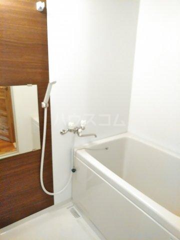 セザンヌ小坂井 106号室の風呂