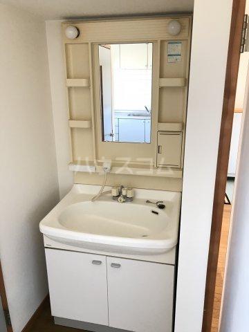 ヴィラスクエアⅠ 302号室の洗面所