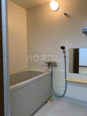 ヴィラスクエア2 202号室の風呂