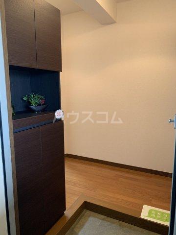 ヴィラスクエア2 202号室の玄関