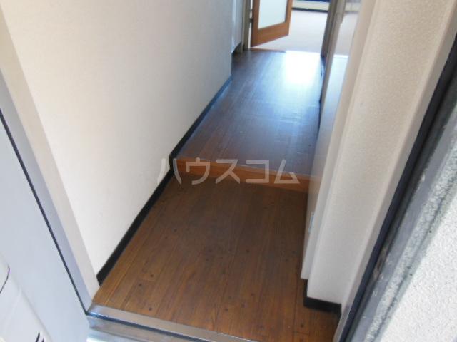 コモックピア 2D号室の玄関
