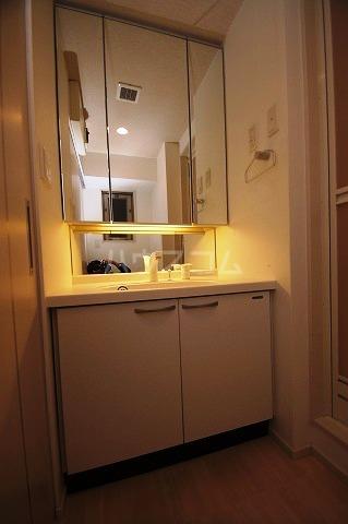 レジデンス住吉 703号室の洗面所