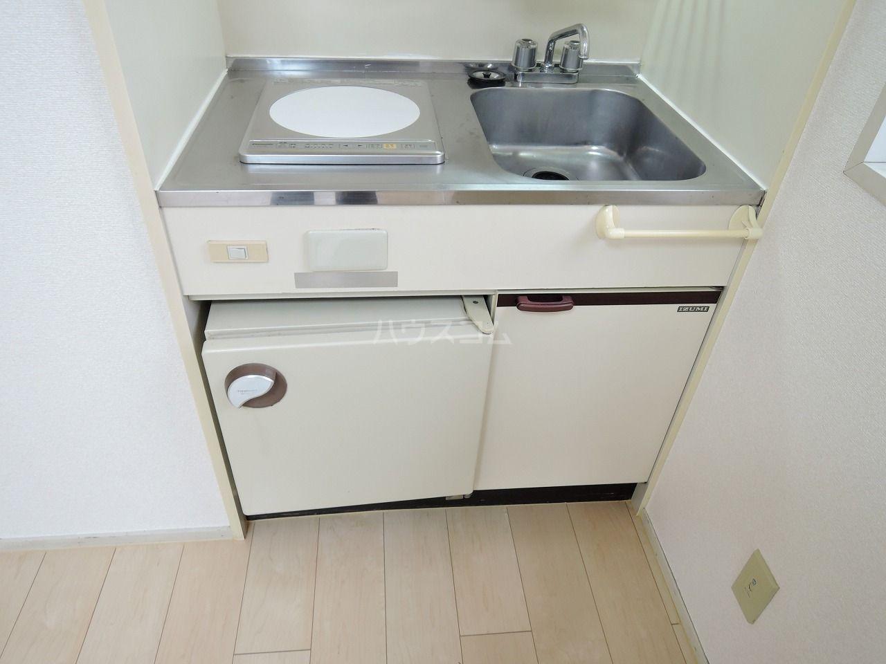 ロマネスク箱崎 401号室のキッチン