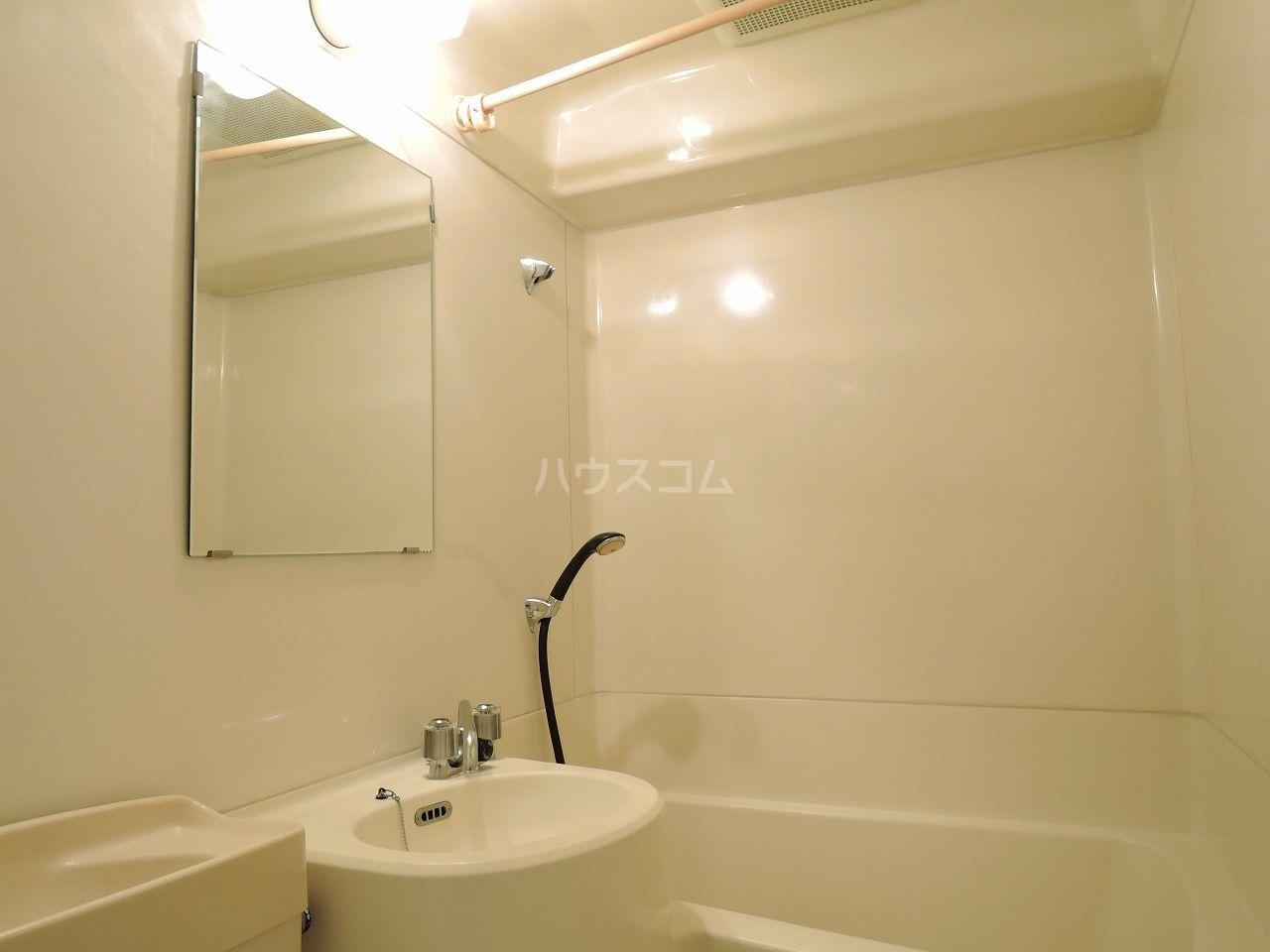 ロマネスク箱崎 401号室の風呂