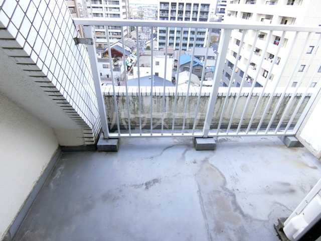 ロマネスク箱崎 401号室のバルコニー