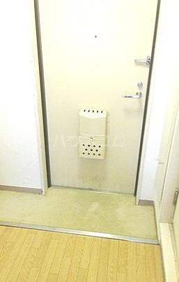 メゾン・ド・ポルトレー 304号室の玄関