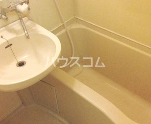 メゾン・ド・ポルトレー 304号室の風呂