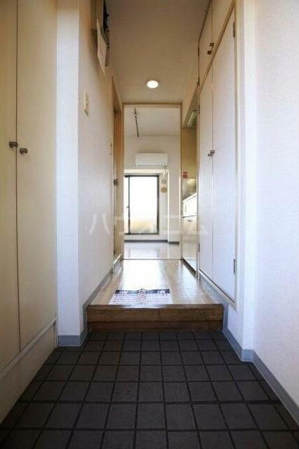 モナークマンション柿の木坂 203号室の玄関