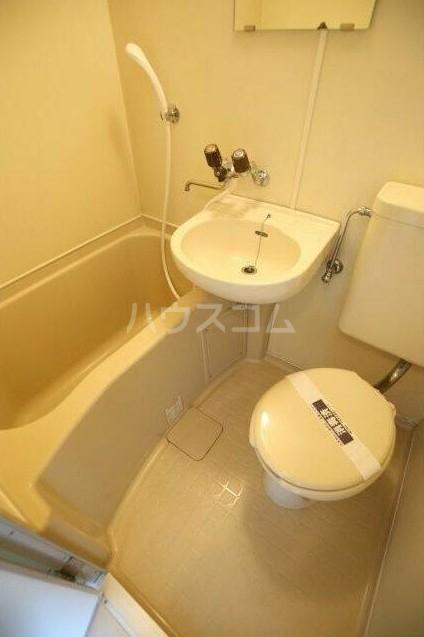 モナークマンション柿の木坂 203号室のトイレ