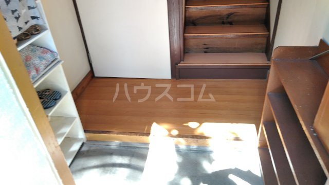 鈴木アパート 202号室の玄関