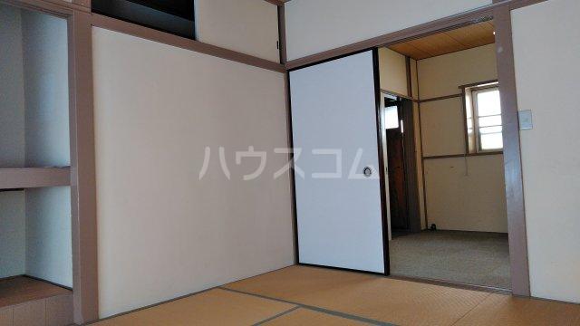 鈴木アパート 202号室のリビング