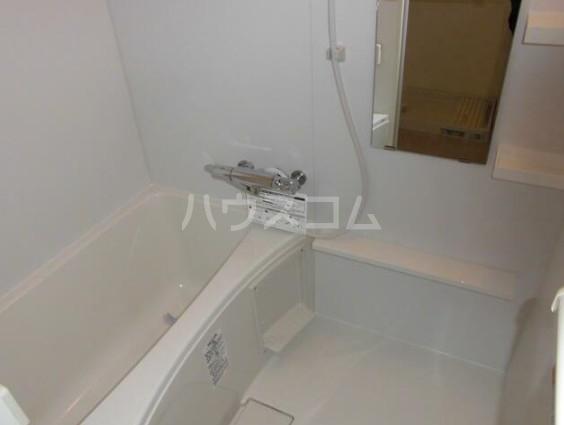 日商岩井自由が丘マンション 206号室の風呂