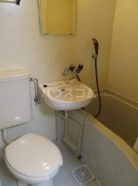 フィンセント自由が丘 202号室の洗面所