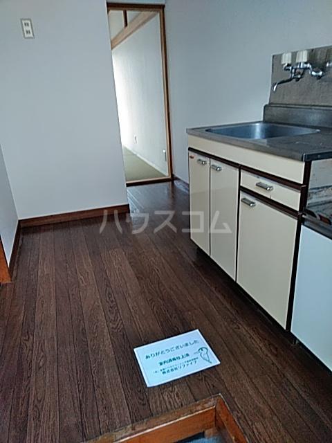 ハウス寿 206号室のキッチン