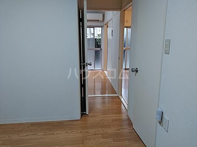 第一豊田マンション 102号室の玄関