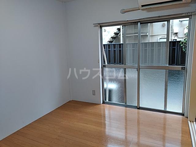第一豊田マンション 102号室のリビング