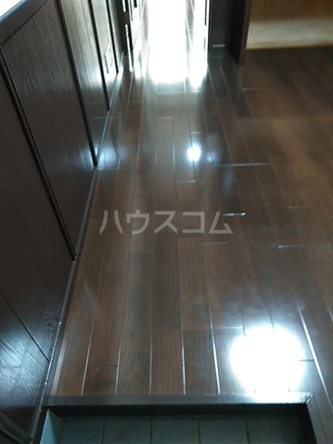 ウィング古屋 102号室の居室