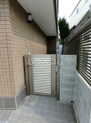 上野毛川口ビル 1号室のエントランス