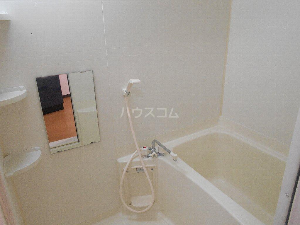 ラ カシータ大倉山 201号室の風呂