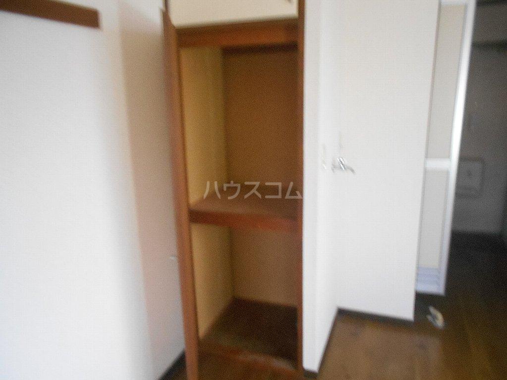 中川ビル 306号室の収納
