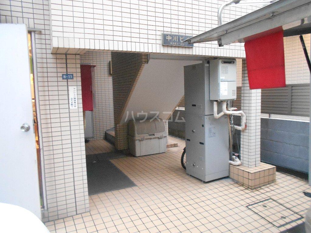 中川ビル 306号室のエントランス