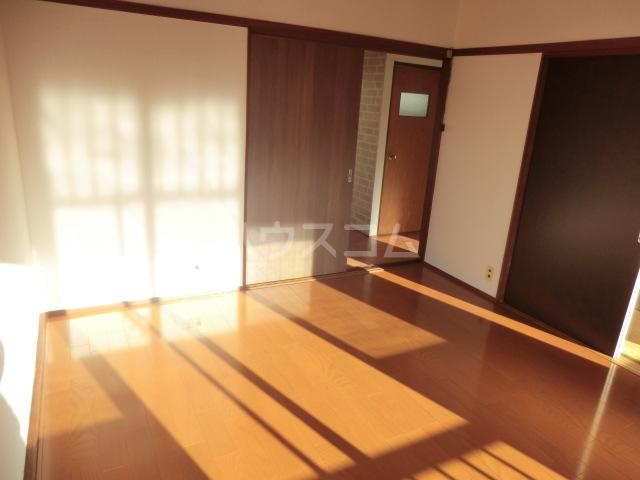 コーポコスモス 0203号室のリビング