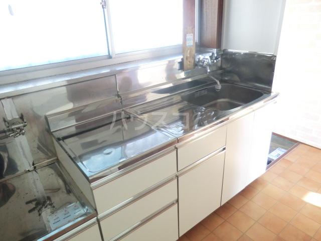 コーポコスモス 0203号室のキッチン