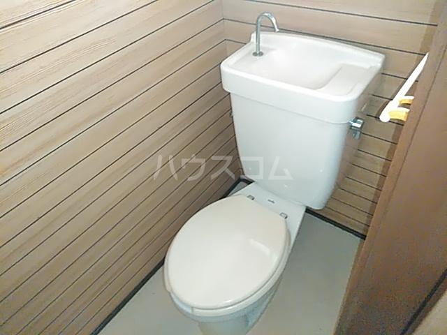 スライブハイツ   206号室のトイレ