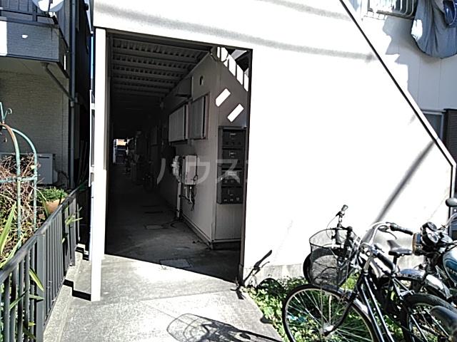 スライブハイツ   206号室のエントランス