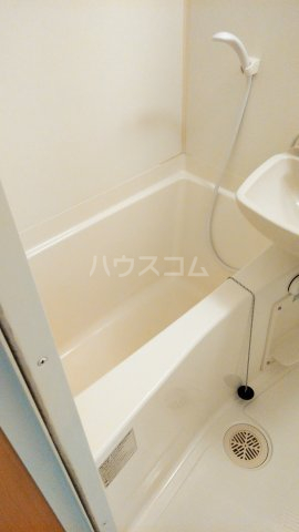 アイコート三軒茶屋 303号室の風呂
