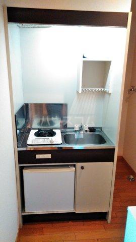 アイコート三軒茶屋 303号室のキッチン