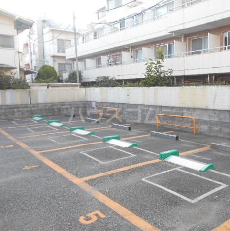 アイコート三軒茶屋 303号室の駐車場