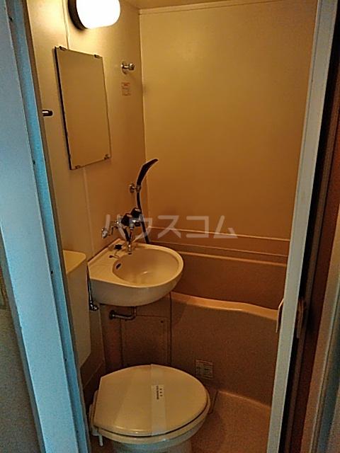 レオパレス松陰神社 201号室の風呂