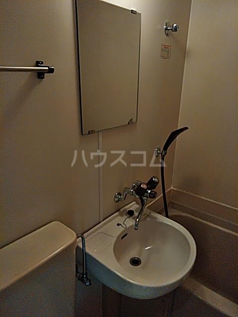 レオパレス松陰神社 201号室の洗面所