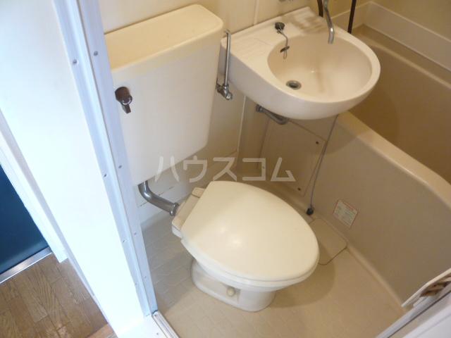 レオパレス松陰神社 202号室のトイレ