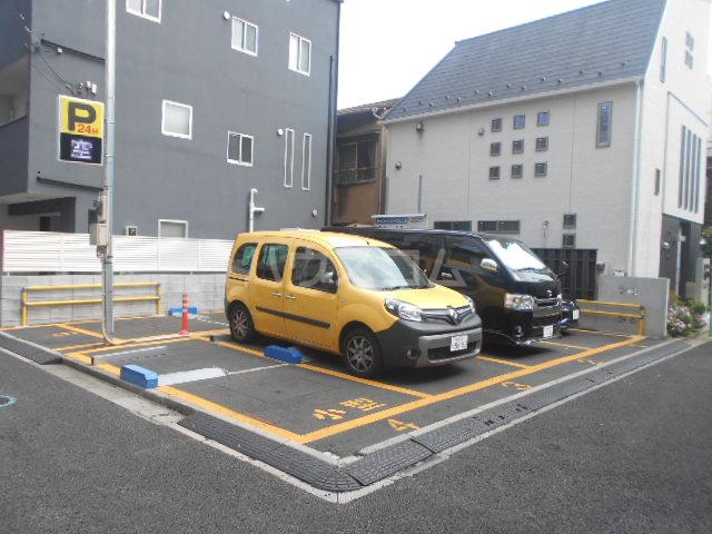 宮入荘 S3号室の駐車場