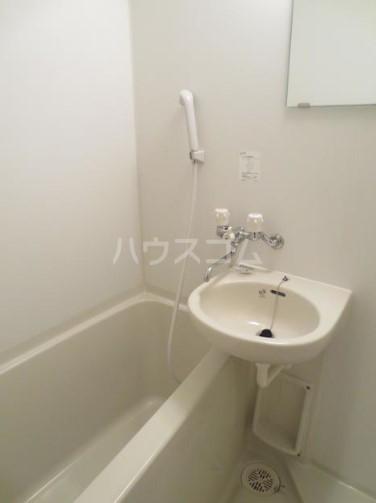 コヴェントリー 103号室の風呂