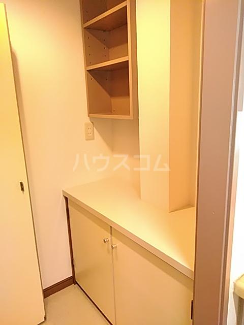 エド・コモン西早稲田 502号室の洗面所