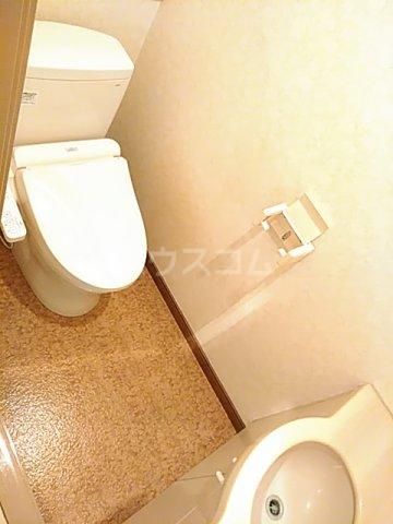 エド・コモン西早稲田 502号室のトイレ