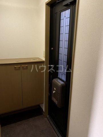 メゾンベール 101号室の玄関
