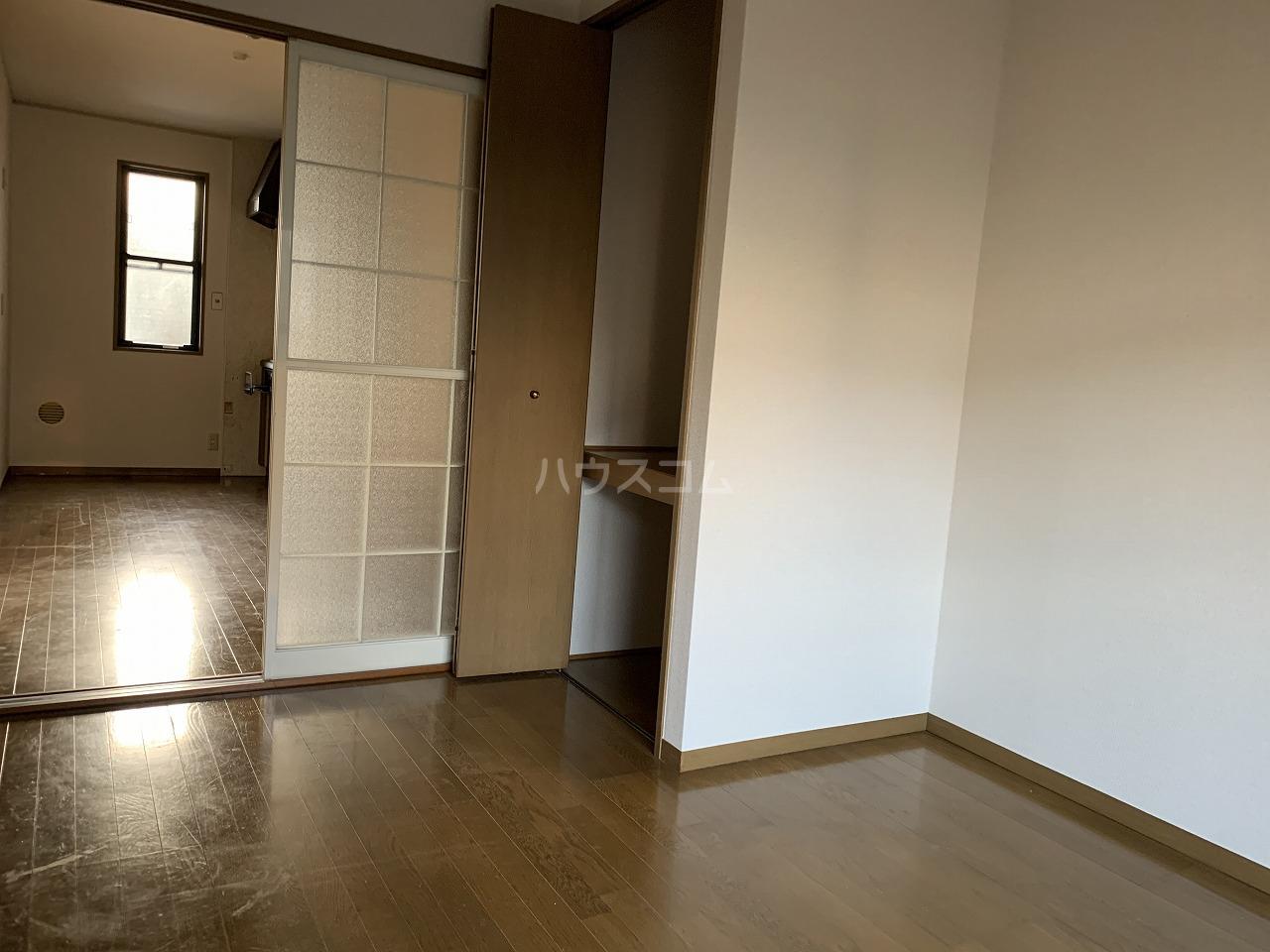メゾンベール 101号室のリビング