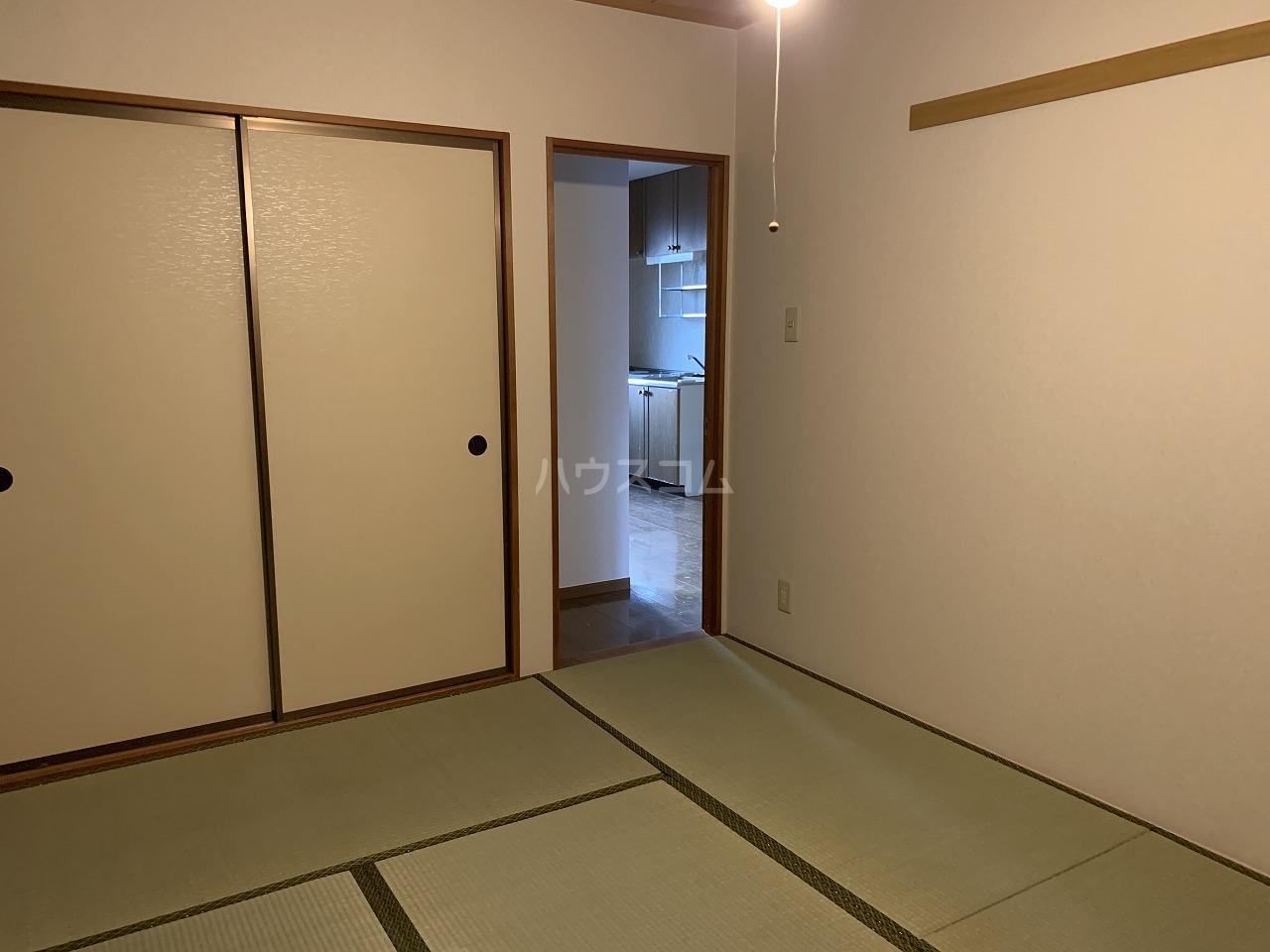 メゾンベール 101号室の居室