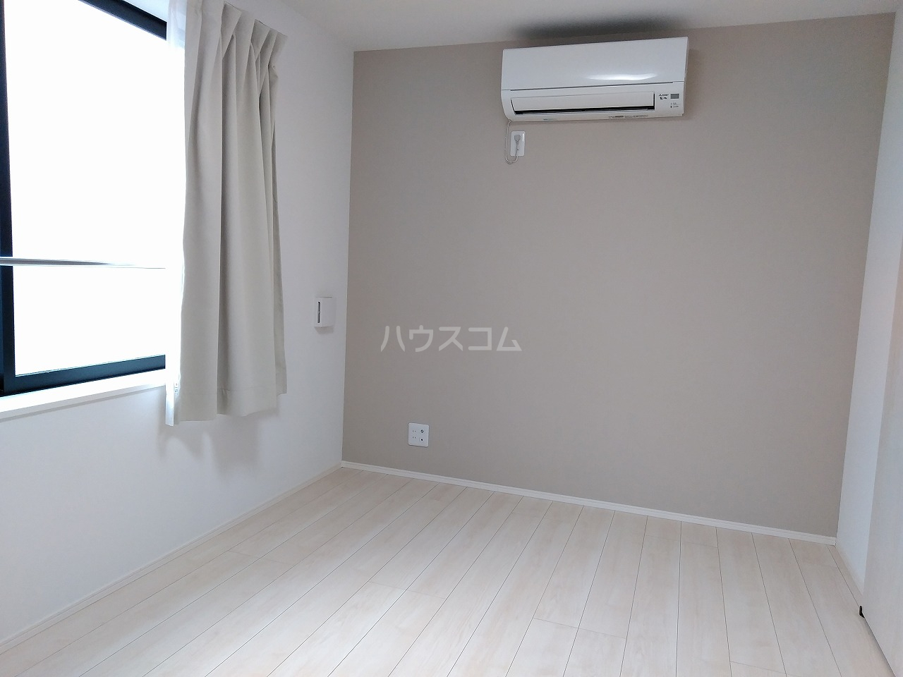 J・スタイリオ堀切 304号室の居室
