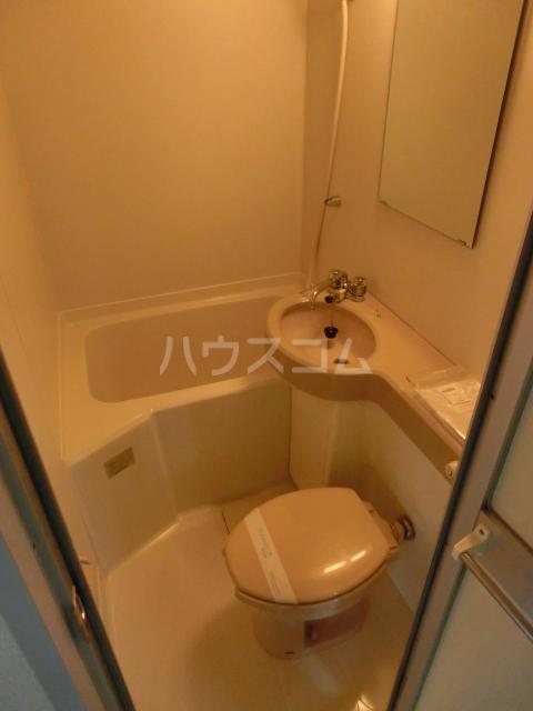 9COAT牧の里 303号室の風呂