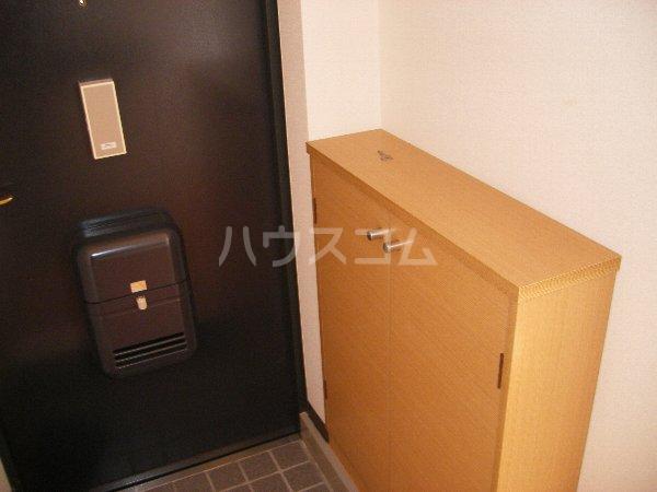 キョウメイタウン 2C号室の玄関