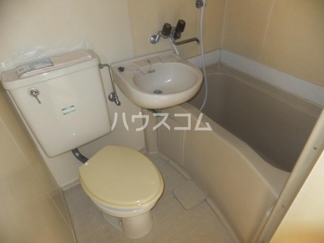 コーポラスヒロ 101号室の洗面所
