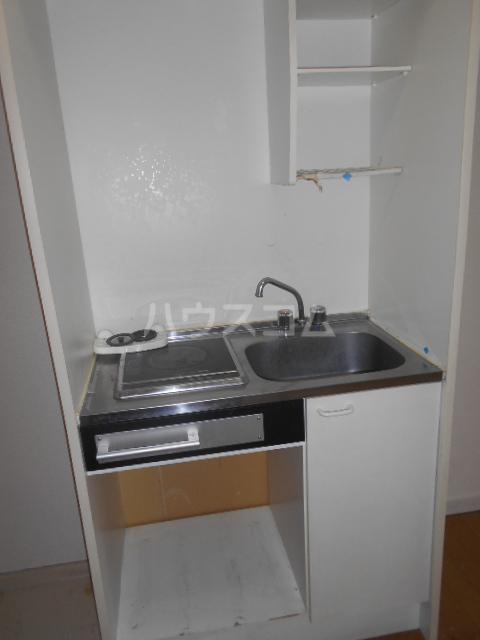 ティーエムズ香坂 204号室のキッチン
