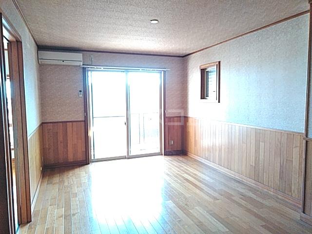 吉祥宮根の郷 303号室のリビング