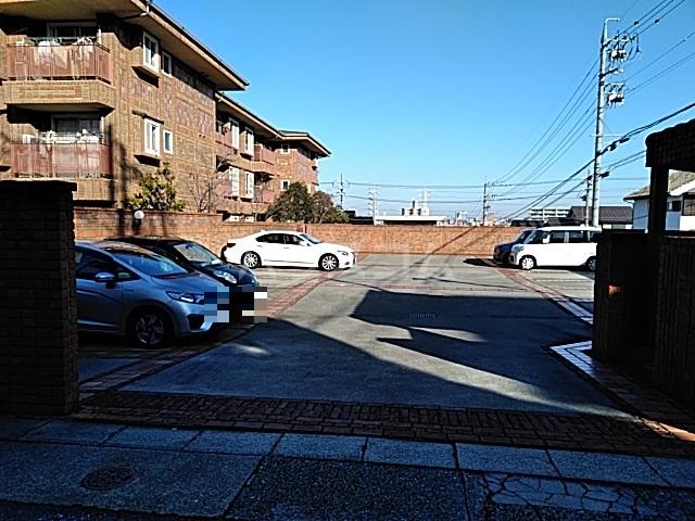 吉祥宮根の郷 303号室の駐車場